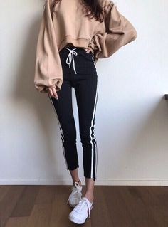 60 Fall Outfits That Always Look Fantastic - Page 6 of 48 - Women Fashion's Ulzzang Fashion, Asian Fashion, Look Fashion, Teen Fashion, Fashion Outfits, Womens Fashion, Mode Outfits, Korean Outfits, Fall Outfits