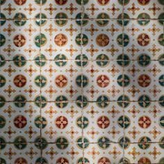 #tilesfromportugal #tileaddiction #tileslove #tilesporn #exploreportugal #exploreporto #igersporto #igersportugal #instaportugal #huntgramportugal #huntgram #nowporto #unlimitedportugal by ryakistore