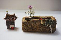 사각 수반입니다.~~^^ 전에 작업할때 반이상이 금이 가서 다시는 안 만든다고 했는데요~~^^;; 슬금슬금 망... Vase, Little Houses, Decorative Boxes, Projects To Try, Clay, Windmills, Lighthouses, Home Decor, Planters