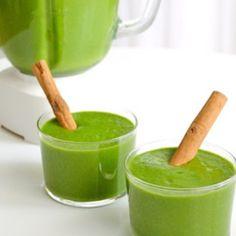 Un batido #detox especial para tomar después de una fiesta. Este batido te ayudará a limpiar el cuerpo para prepararte para las fiestas de año nuevo. Ingredientes: 1- una taza de té verde  2- una taza de aloe vera o pulpa de sábila  3- 1/2 taza de hojas de espinacas. 4-1/2 taza de pepino en cubitos. Preparación: preparar el té y dejar enfriar. Mezclar todos los ingredientes en una licuadora sin semilla y piel. Para mayor efectividad consumir en ayunas. #detox #vidasaludable #batidos #healthy…