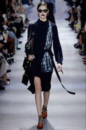 trabajdora Christian Dior - Pasarela