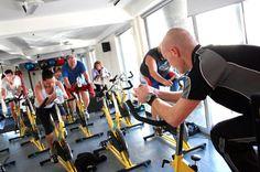 Un estudio prueba que la asistencia de un preparador aumenta los beneficios del deporte para esa patología