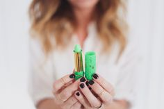 green henna lipstick that reacts to your pH and turns into your own custom, perfect pink - and only $ 3!