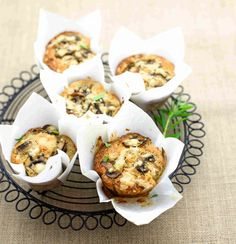 Muffin al grano saraceno con funghi e dragoncello.  Ricetta e Foto di Barbara Toselli. Tratta dalla rivista Cucina Naturale