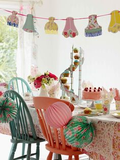 Styling by @Selinalake: Spring Summer Party @TalkingTables Style! Photography by Debi Treloar