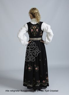Lundebybunad til dame - BunadRosen AS Norway, Victorian, Outfits, Dresses, Fashion, Vestidos, Moda, Suits, La Mode