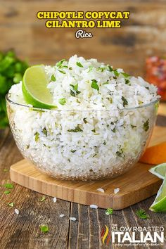 Chipotle Copycat Cilantro Lime Rice It is perfectly soft and sticky with a nutty, floral aroma. It has fresh cilantro speckled throughout and a bright flavor from citrus that makes this an incredible side dish that you are going to make again and again! Tex Mex, Rice Dishes, Food Dishes, Chipotle Lime Cilantro Rice, Recipes With Cilantro, Side Dish Recipes, Dinner Recipes, Chipotle Copycat Recipes, Chipotle Menu