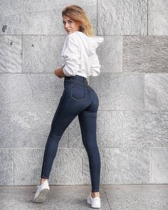 Post anything (from anywhere!), customize everything, and find and follow what you love. Create your own Tumblr blog today. Lisa Del Piero, Tight Buns, Female Form, Jeans Style, Tights, Beautiful Women, Skinny Jeans, Lady, Pants