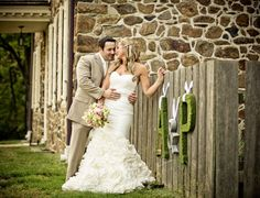 Love this rustic setting. And her dress is amazing! - Campli Photography