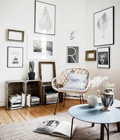 Love this corner, particularly the 'r' art