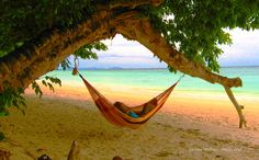 Yellow Leaf Hammocks-According to the company's website, Yellow Leaf Hammocks has 4 main objectives: create a sustainable micro-economy, prevent environmental degradation, enhance quality of life and support culture preservation and autonomy.
