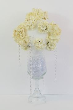 If you are planning a Glam Wedding you are definitley aiming towards the perfect combination of dramatic details and the ultimate wow factor! Best Wedding Favors, Diy Wedding Flowers, Wedding Pins, Wedding Ideas, Wedding Colors, Wedding Cake, Rustic Wedding, Wedding Decorations On A Budget, Flower Decorations