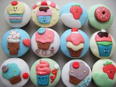"""mmm fondant covered cupcakes for me too.... that's what I'm gonna do for """"MY"""" birthday :)))))"""
