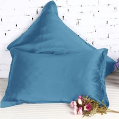 Kind to your skin and hair. High quality Mulberry silk pillowcases can assist in keeping your hair smooth and skin soft, making them perfect for the ultimate sleeping experience.
