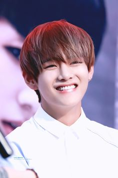 Bts Taehyung, Taehyung Smile, Bts Blackpink, Bts Jungkook, Daegu, V Bts Cute, V Cute, Elvis Presley, V Smile