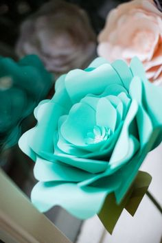 20 - alternative wedding bouquets - large single stem roses by FioriBelle - gallery 1