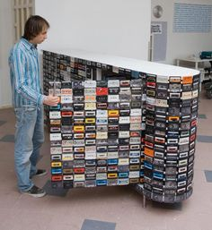 young dutch designer patrick schuur has sent in images of his latest project 'cassette tape closet'. the closet is built with 918 cassette tapes that are Cassette Tape Crafts, Cassette Tape Art, Ways To Recycle, Reuse Recycle, Reduce Reuse, Recycled Art, Repurposed, Upcycled Vintage, Ideas Actuales