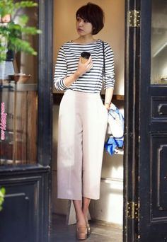 Fits your own style instead of hours of preparation Find stylish models. Office Outfits, Casual Outfits, Casual Jeans, Uniqlo Women Outfit, Uniqlo Style, Pantalon Large, Office Fashion Women, Up Girl, Mode Inspiration