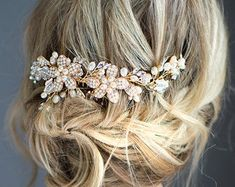 Wedding Hair Accessory with Pearls, Flower Hair Vine Comb Pin Set, Wire Wedding Hair comb, Wedding Hair Vine, Boho Headpiece - 'RAINE' Crown Hairstyles, Boho Hairstyles, Wedding Hairstyles, Great Gatsby Headpiece, Boho Headpiece, Boho Wedding Hair, Hair Comb Wedding, Wedding Jewelry, Vintage Hair Accessories