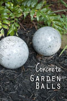Concrete is such a hot trend right now. I am sharing some of my favorite Easy Concrete Projects on the blog today, let's get inspired!