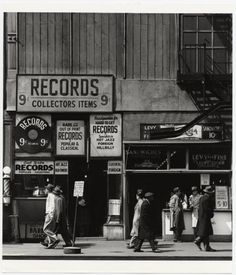 modmargie:    Todd Webb, Sixth Avenue between 43rd and 44th Streets, April 23, 1948