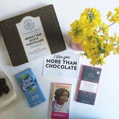 Nieuwe box? Nee en ja!  morgen meer!  #chocolade #kaart #ansichtkaart #quote #chocola #bloemen #anderechocolade #chocoladeverzekering #cadeau #box #foekjefleur #actie #nieuw #comingsoon