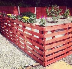 Pallets everywhere.  Pallets are often free and can be so fun.    http://wu.to/RG3svc   #beyoursocial   #helpingmehome