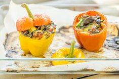 Kasvistäytteiset paprikat Plant Based Diet, Favorite Recipes, Stuffed Peppers, Fruit, Vegetables, Cooking, Foods, Life, Kitchen