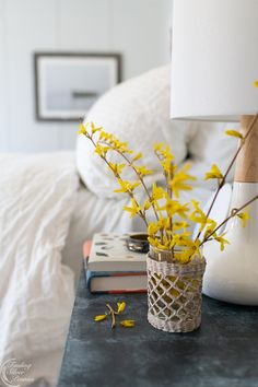 Cozy Spring Bedroom Ideas - Finding Silver Pennies - Decorating with forsythia branches Cheap Beach Decor, Cheap Rustic Decor, Cheap Home Decor, Victorian Decor, Vintage Home Decor, Home Decor Styles, Home Decor Accessories, Home Decor Bedroom, Bedroom Ideas