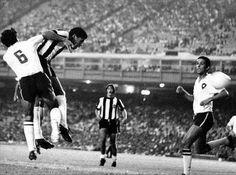 Dadá Maravilha marcando o gol do titulo brasileiro do GALO no Maracanã contra o Botafogo em 1971.