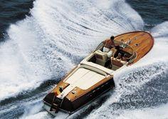 I love wooden boats