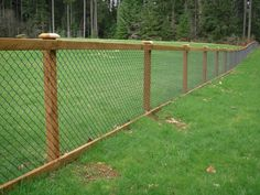 Cheap And Easy Cool Tips: Aluminum Fence Spaces silver chain link fence.Dog Fence On A Budget farm fence privacy. Hog Wire Fence, Chain Fence, Farm Fence, Backyard Fences, Garden Fencing, Fenced In Backyard Ideas, Horse Fence, Welded Wire Fence, Backyard Privacy