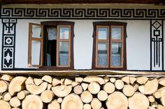 Ciocanesti, Bucovina Romanian People, Door Gate, Country Houses, Traditional House, Homeland, Europe, Tours, Windows, Rustic