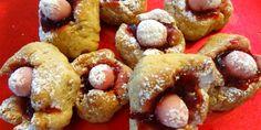 La desserte : table des desserts médiévaux. Mets sucrés, sucrés-salés, crêpes, beignets, pâtisseries...
