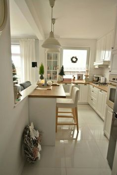 6 Modern Small Kitchen Ideas That Will Give a Big Impact on Your Daily Mood – Houseminds Small Modern Kitchen ,Modern Small Kitchen Design ,Kitchen Island Ideas for Small Kitchens ,Small Kitchen Decor ,Kitchen Ideas for Small Spaces