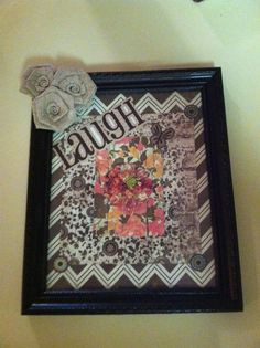 Picture frame with burlap flowers Framed Burlap, Burlap Flowers, Picture Frames, Home Decor, Portrait Frames, Hessian Flowers, Decoration Home, Room Decor, Picture Frame