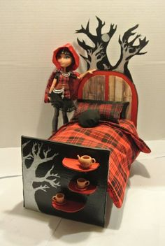 Cerise Hood Bed and Bedding Ever After High OOAK Pillows Monster High Furniture #HousesFurniture