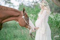 Horse Maternity Session. These lightroom presets are absolutely perfect! The LUSH lightroom preset collection is a dream come true for those looking for that beautiful film look with lush colors, peachy skin tones, and dreamy natural light!