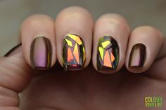 Colour your life: Shattered glass nails