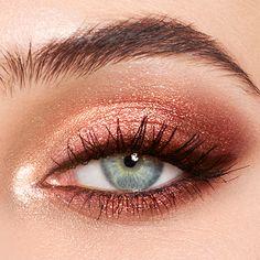 Pillow Talk - Luxury Palette Of Pops - Pink Glitter Eyeshadow - Makeup inspo - Make-up World Rose Gold Eyeshadow Look, Sparkly Eye Makeup, Makeup Eye Looks, Pink Makeup, Blue Eye Makeup, Makeup Eyeshadow, Beauty Makeup, Smoky Eyeshadow, Pink Smokey Eye