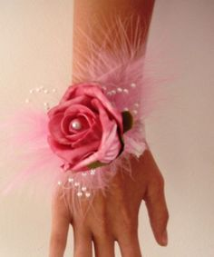 WRIST CORSAGE, BRIDESMAIDS/PROMS ROSE,FEATHERS & PEARLS