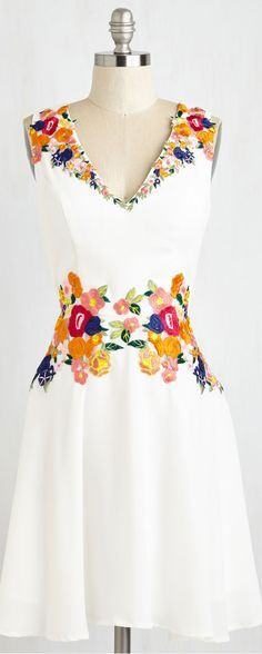 Retro Embroidery Queen of the Conservatory Dress. Like a wearable floral fantasy, this bright white dress by Chi Chi London is overflowing with vibrant blossoms and blooms! Mod Dress, Dress Skirt, Dress Up, Pretty Dresses, Beautiful Dresses, Mexican Dresses, Mexican Outfit, Retro Vintage Dresses, Vintage Style