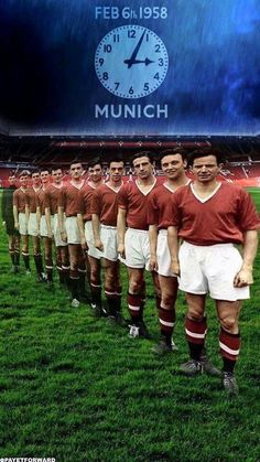 Man Utd's Busby Babes in Flowers of Manchester United. Manchester United Wallpaper, Manchester United Legends, Manchester United Players, Man Utd Squad, Man Utd Fc, Football Man Utd, Retro Football, Football Pictures, School Football