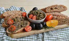 Tapenade - rețeta de pastă de măsline negre și verzi cu usturoi și capere   Savori Urbane