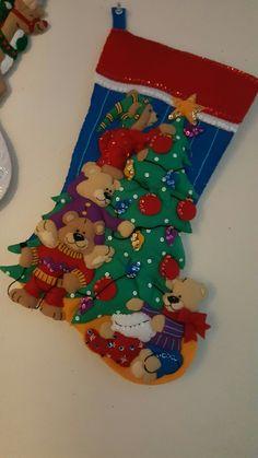 Felt Christmas Stockings, Felt Stocking, Christmas Themes, Christmas Decorations, Holiday Decor, Christmas Crafts, Christmas Ornaments, Felt Decorations, Needle Felting