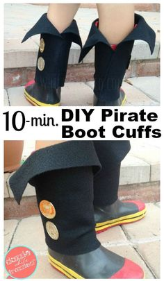 diy pirate costume for kids How to make DIY kid pirate boot covers for Halloween or dress-up time. Easy tutorial using felt fabric and gold coins. Diy Pirate Costume For Kids, Homemade Pirate Costumes, Pirate Halloween Costumes, Boy Costumes, Halloween Stuff, Halloween Party, Diy Rock, Easy Felt Crafts, Easy Diys For Kids