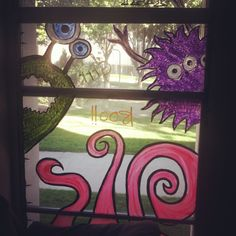 Great Halloween decoration, hand painted window mural!! :)