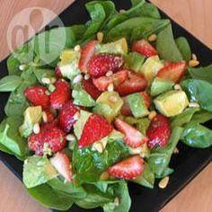 Foto recept: Avocadosalade met aardbeien