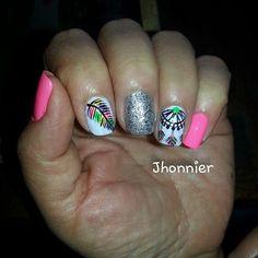 Adriana masglo_oficial nails uñas decorados esmalte campeona electrica
