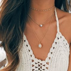 - Delicate chain choker with a beautiful prism-like gem that refracts light which creates a gorgeous colored rainbow effect. - 14k gold layered: Gold-plated jewelry is created a process that places a